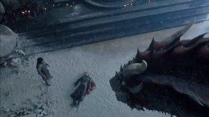 Drogon e Jon Snow observam Daenerys morta