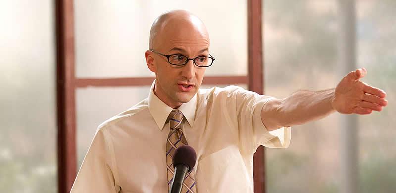Reitor (Dean) Craig Pelton, personagem de Jim Rash em Community